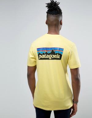 Patagonia Желтая футболка классического кроя с логотипом на спине P-6. Цвет: желтый