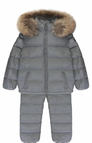 Пуховый костюм из комбинезона и куртки с меховой отделкой Il Gufo. Цвет: серый