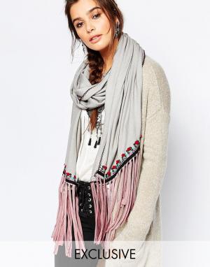 Blank Шарф с кисточками и вышивкой BLNK. Цвет: серый