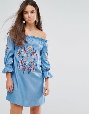 Parisian Джинсовое платье с открытыми плечами и вышивкой. Цвет: синий