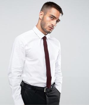 ASOS Белая приталенная рубашка с бордовым галстуком. Цвет: белый