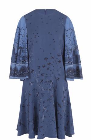 Шелковое мини-платье с укороченным рукавом и принтом Valentino. Цвет: голубой