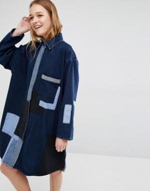 Waven Джинсовое платье‑рубашка с нашивками Jonna. Цвет: синий