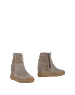 Полусапоги и высокие ботинки RUCO LINE. Цвет: хаки