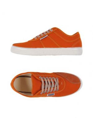Низкие кеды и кроссовки KAWASAKI. Цвет: оранжевый