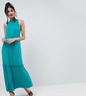 ASOS Tall Платье макси с высоким воротом и плиссировкой на юбке. Цвет: зеленый