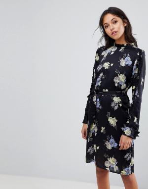 Gestuz Платье с цветочным принтом и оборкой вдоль выреза. Цвет: мульти