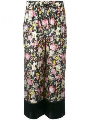 Укороченные брюки с цветочным принтом 3.1 Phillip Lim. Цвет: чёрный