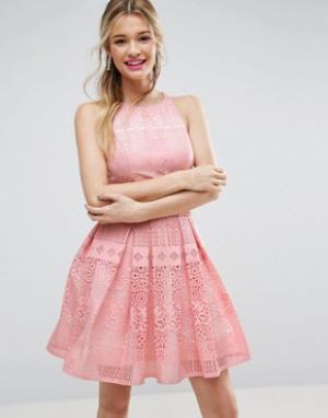ASOS Платье мини для выпускного с ажурной лазерной отделкой SALON. Цвет: розовый