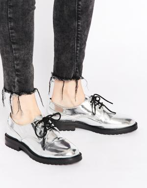Eeight Туфли на плоской подошве цвета серебристый металлик Policewoman. Цвет: серебряный