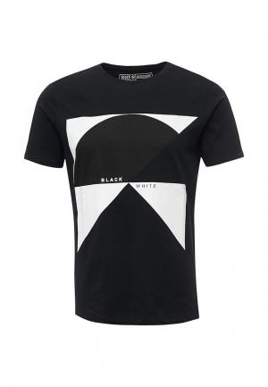 Футболка Staff Jeans & Co.. Цвет: черный
