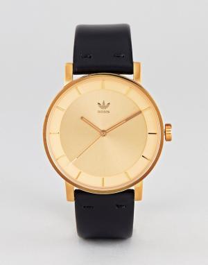 Adidas Золотистые часы с черным кожаным ремешком Z08 District. Цвет: черный