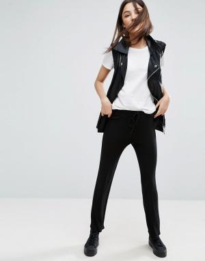NYTT Укороченные брюки с поясом на шнурке. Цвет: черный