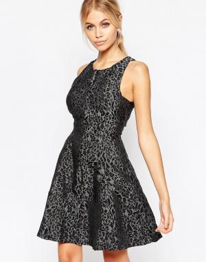 Hedonia Короткое приталенное платье из жаккарда со звериным принтом Lu. Цвет: серый