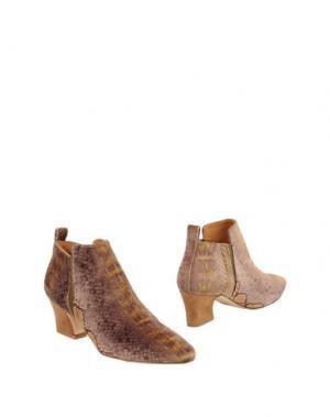 Полусапоги и высокие ботинки MIISTA. Цвет: охра