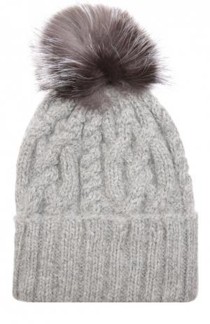 Шерстяная шапка с фактурным узором и меховым помпоном Eugenia Kim. Цвет: светло-серый