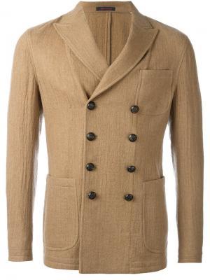Двубортный пиджак The Gigi. Цвет: телесный