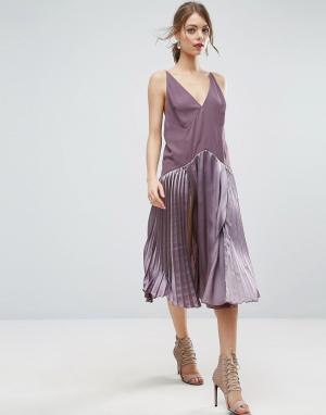 ASOS Плиссированное платье миди со вставками на бретельках. Цвет: фиолетовый