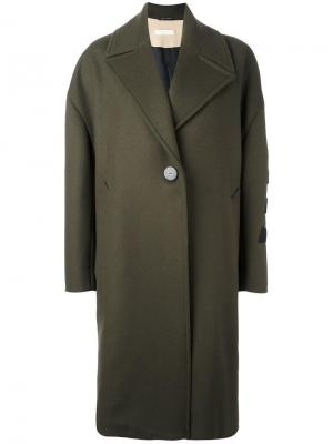 Объемное пальто Ssheena. Цвет: зелёный