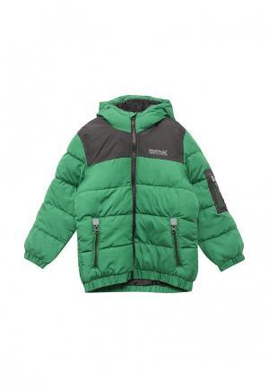 Куртка утепленная Regatta. Цвет: зеленый