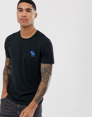 Черная футболка с логотипом Abercrombie & Fitch. Цвет: черный