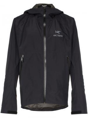 Куртка Zeta с капюшоном и логотипом Arc'teryx. Цвет: черный