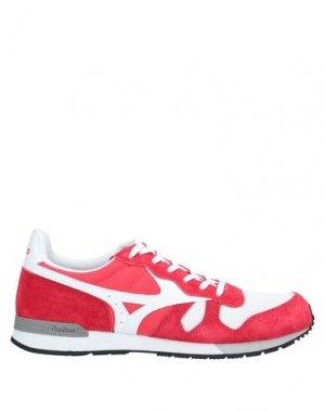 Низкие кеды и кроссовки MIZUNO. Цвет: красный