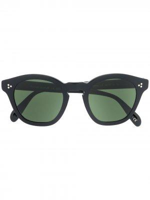 Солнцезащитные очки в круглой оправе с затемненными линзами Oliver Peoples. Цвет: черный