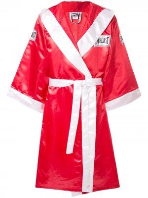 Атласный боксерский халат из коллаборации с Everlast Supreme. Цвет: красный
