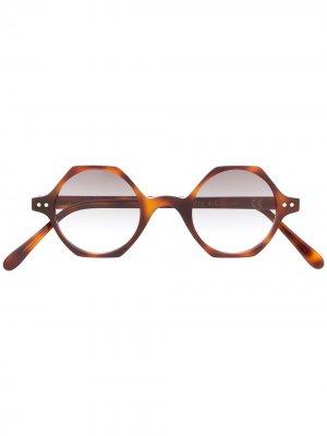 Солнцезащитные очки Koros в шестиугольной оправе Epos. Цвет: коричневый