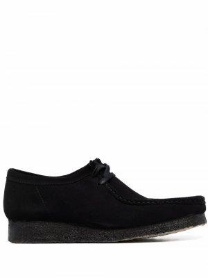 Туфли Wallabee на шнуровке Clarks. Цвет: черный