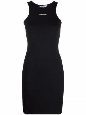 Приталенное платье без рукавов с логотипом Calvin Klein Jeans. Цвет: черный
