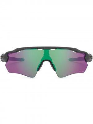 Солнцезащитные очки-маска Oakley. Цвет: серый