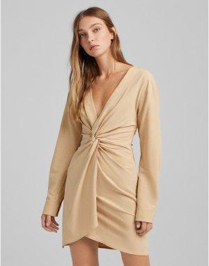 Бежевое платье-рубашка с узлом спереди -Светло-бежевый цвет Bershka