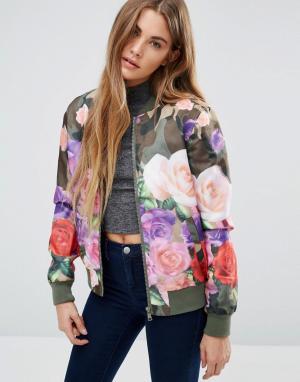 Куртка-пилот с камуфляжным и цветочным принтом Brave Soul. Цвет: зеленый
