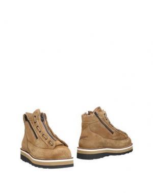 Полусапоги и высокие ботинки DANNER. Цвет: хаки