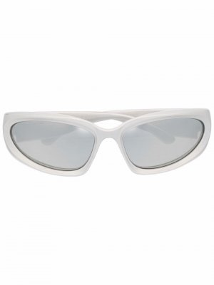 Солнцезащитные очки BB0157S Balenciaga Eyewear. Цвет: серебристый