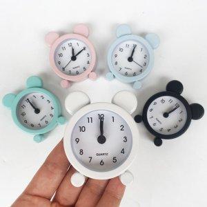 1шт будильник в форме мультфильма SHEIN. Цвет: многоцветный