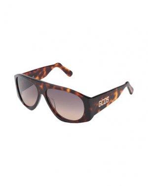 Солнечные очки GCDS. Цвет: темно-коричневый