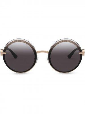 Солнцезащитные очки On-Me в круглой металлической оправе Bvlgari. Цвет: розовый