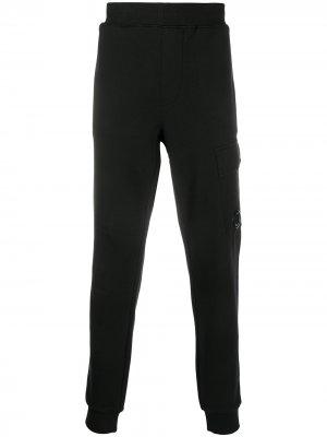 Спортивные брюки с линзой на кармане C.P. Company. Цвет: черный