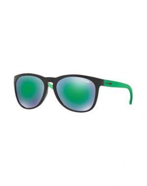 Солнечные очки ARNETTE. Цвет: черный