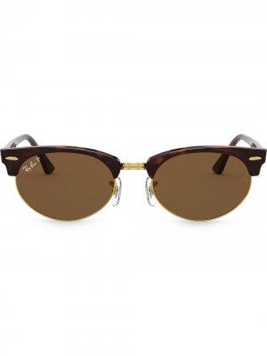 Солнцезащитные очки Clubmaster в овальной оправе Ray-Ban. Цвет: коричневый
