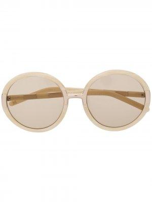 Солнцезащитные очки в массивной оправе Carolina Herrera. Цвет: белый