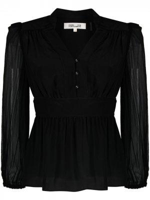 Блузка с прозрачными рукавами и V-образным вырезом DVF Diane von Furstenberg. Цвет: черный