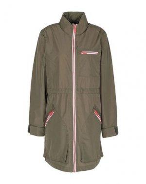 Легкое пальто HUNTER. Цвет: зеленый-милитари