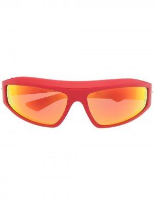 Солнцезащитные очки в прямоугольной оправе Bottega Veneta Eyewear. Цвет: красный