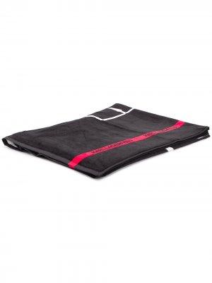 Пляжное полотенце K/Ikonic Karl Lagerfeld. Цвет: черный