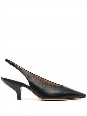 Туфли с ремешком на пятке и заостренным носком Maison Margiela. Цвет: черный