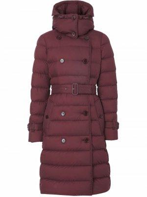 Двубортное пальто с капюшоном Burberry. Цвет: красный